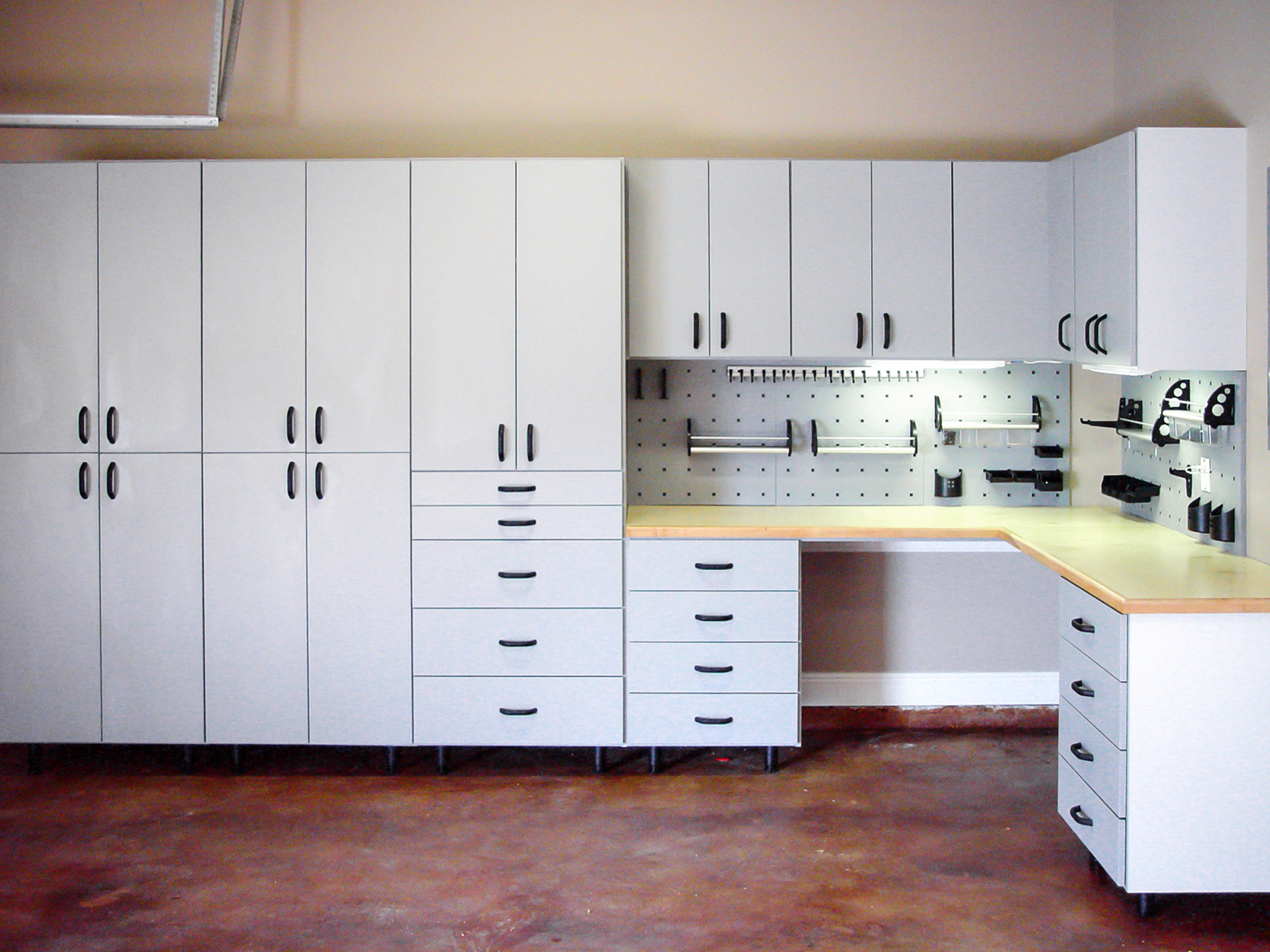 custom built garages new orleans custom garage cabinets more importantly our design team utilizes the latest technologies in the industry to allow us to make changes after you have reviewed the design