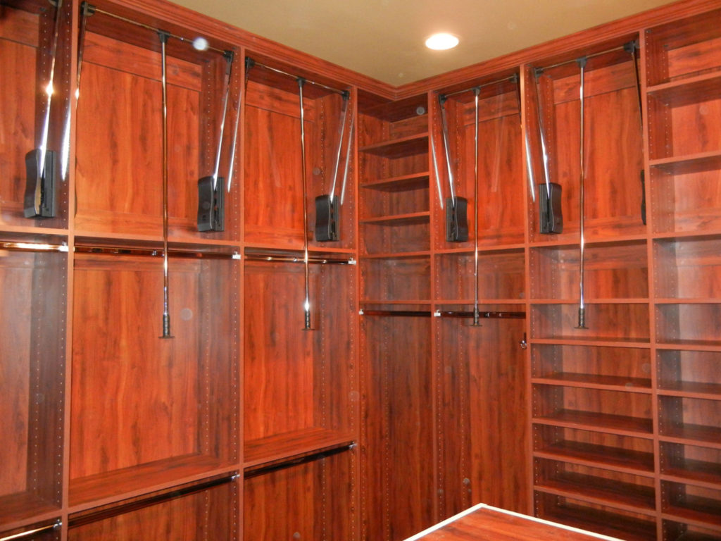 Custom Closets and Shelving