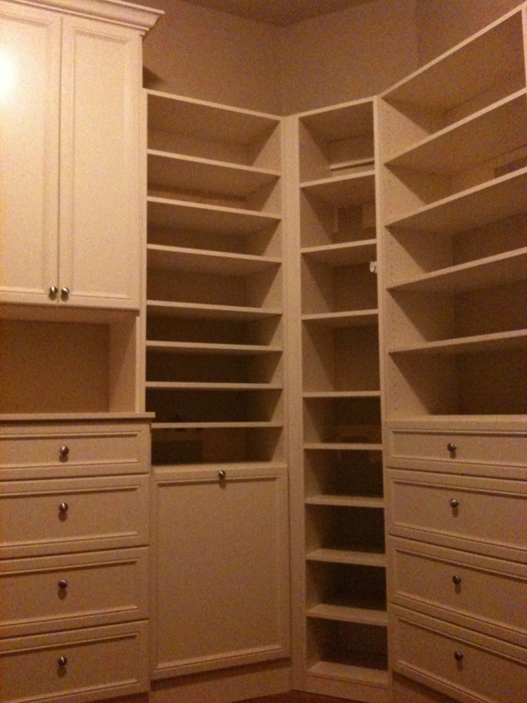 Walk In Closet Shelves and Cabinets