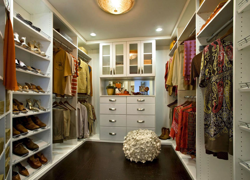 Custom Designed Clothes Closet